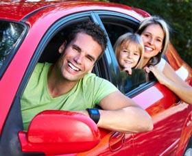 ahorrar dinero en tu poliza de seguro de autos familia