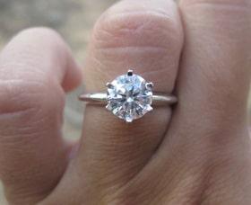 talla anillo de compromiso