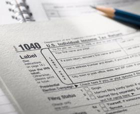 hacer los taxes separados o juntos deducciones juntos