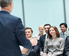 Aprender a invertir en la bolsa: Ir a seminarios