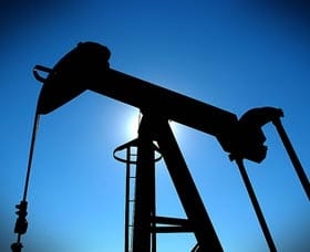 puedes invertir en petroleo y salir ganando