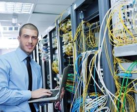 Mejores carreras remuneradas: Analista de sistemas de computación
