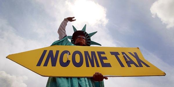 ¿Quién debe pagar taxes en Estados Unidos? Indocumentados y personas sin papeles