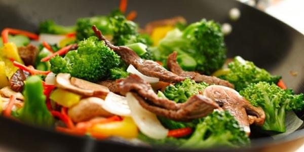 Mejor cena para diabeticos carne y vegetales salteados