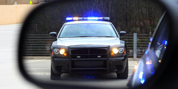 Que decirle al policia oficial de transito si te detiene