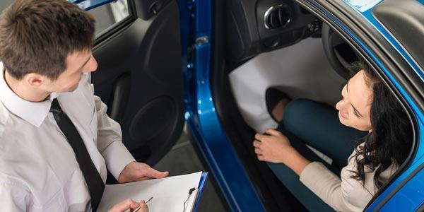 Comprar un auto nuevo tacticas de negociacion en el dealer