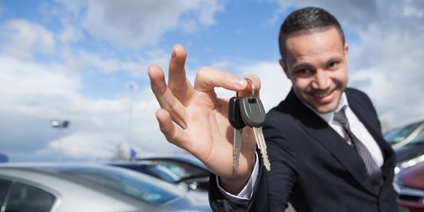 Prestamo para comprar un carro elige un buen vendedor