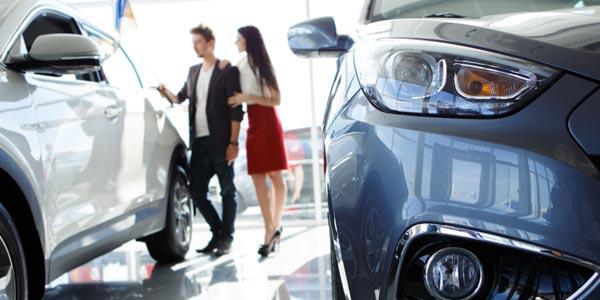 Lease de carro: Comprar ó arrendar por seis años