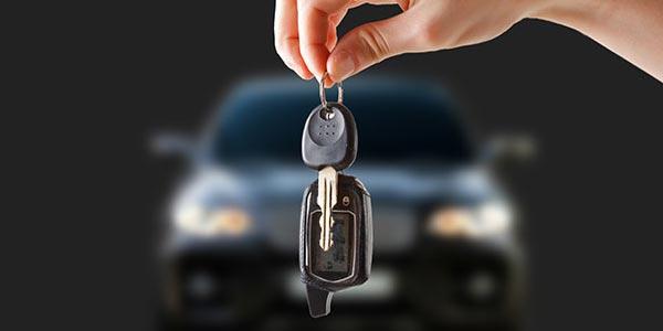 Puedes arrendar o tener un lease de un auto usado