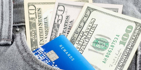 Ganar dinero al usar tus tarjetas de crédito: Canjea tus recompensas por dinero