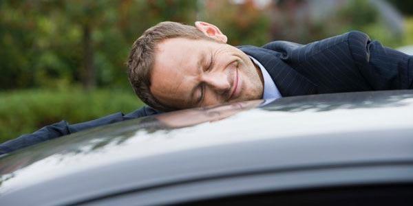 Qué hacer cuando no puedes pagar tu auto atrasado problema
