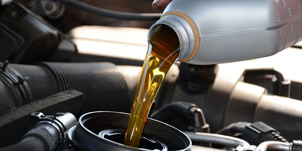 Cómo cuidar tu auto: Mantente al día con los cambios de aceite