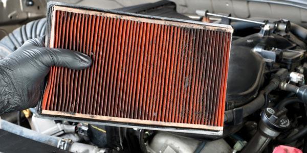 Cómo cuidar tu coche: Cambia tu filtro de aire regularmente