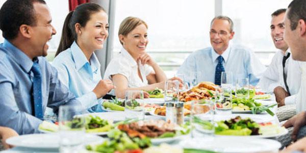 deduccion de impuestos entranamiento y comidas de trabajo