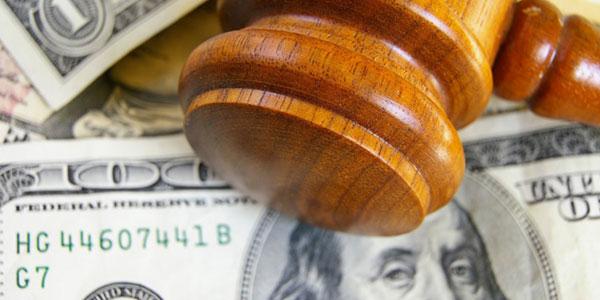 deducciones de impuestos por gastos legales abogado