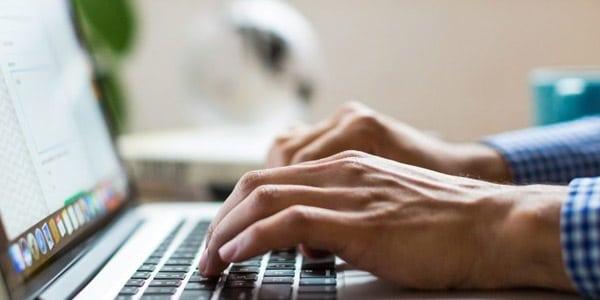 Cuanto dinero ganar escribir por Internet